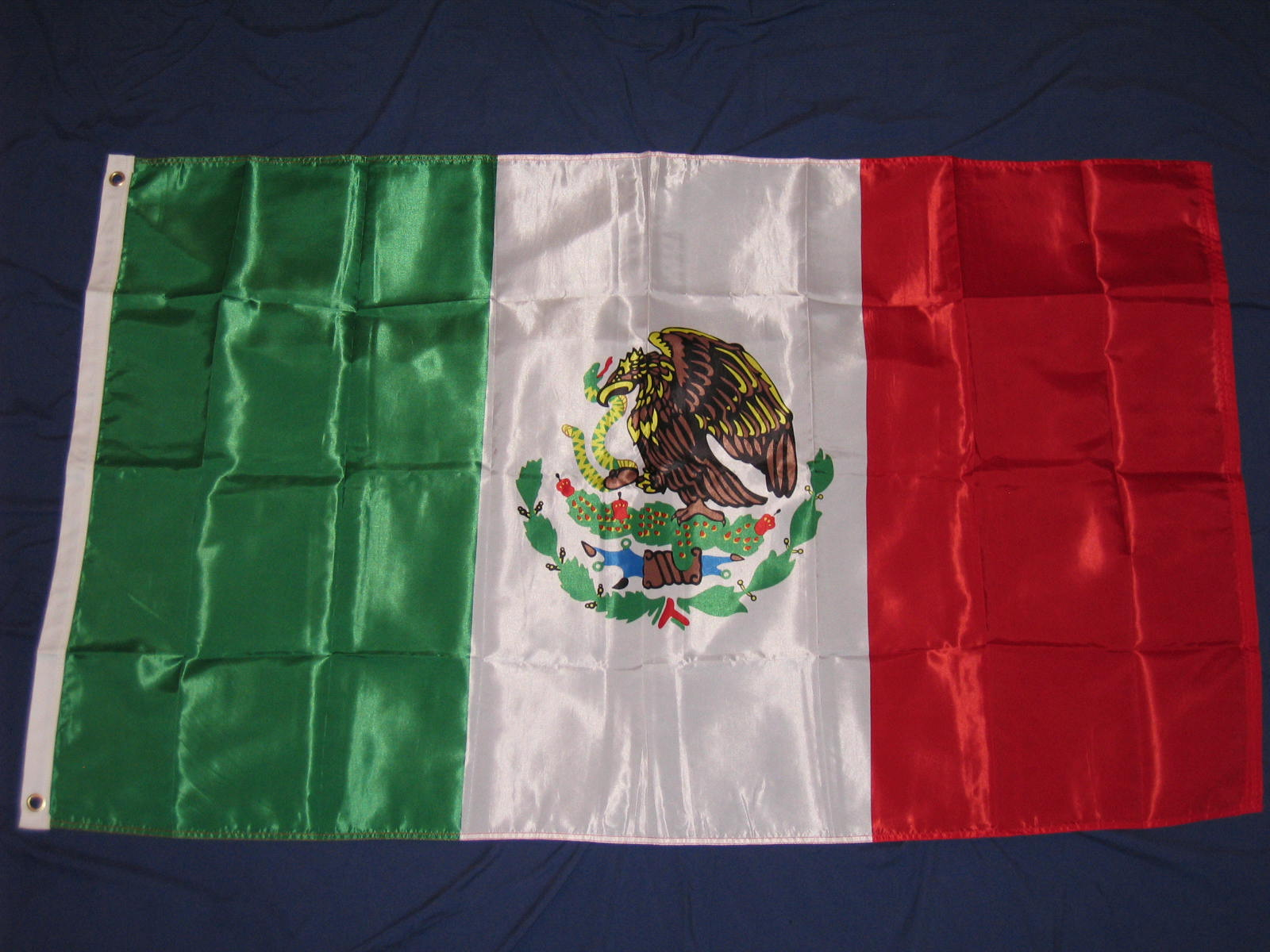 flags VIRGEN DE GUADALUPE MEXICAN FLAG MEXICO BANDERA CATOLICO CATOLIC ...